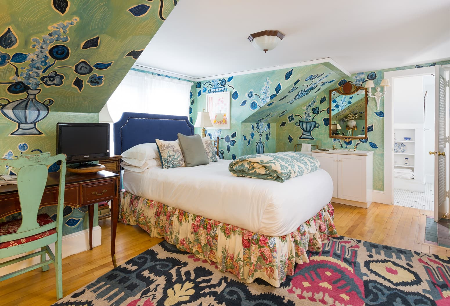 Matisse guest room with bold walls